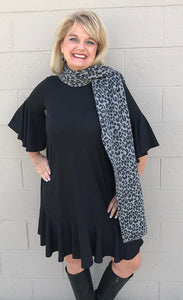 Luxurious Black Grey Leopard Print Scarf