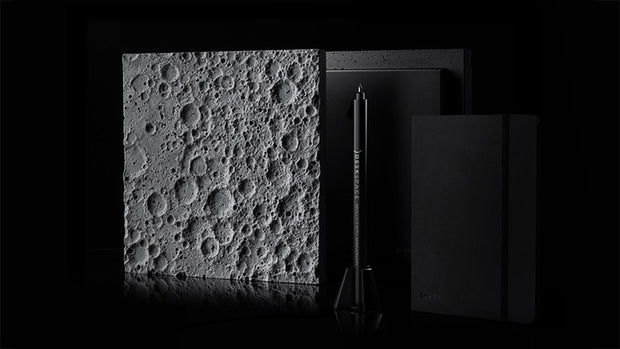 DeskSpace: Lunar Surface - e-makro