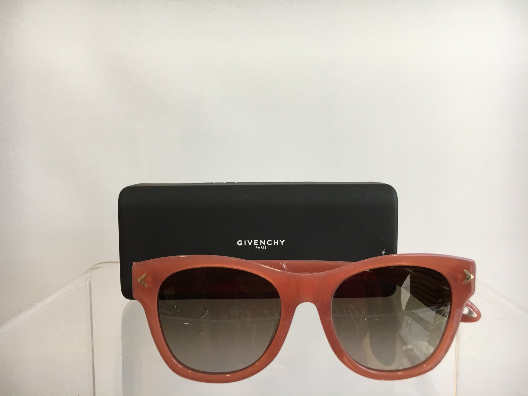 Givenchy | Women Sunglasses | Pale Pink
