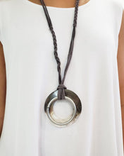Load image into Gallery viewer, Claire Shell Necklace