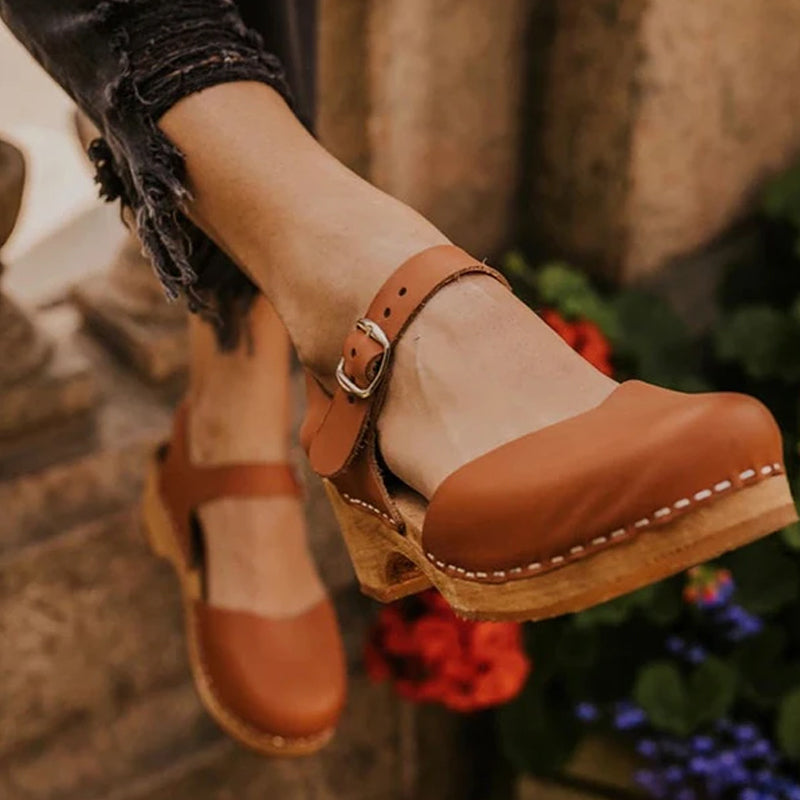 Women's Solid Color Buckle Sandals