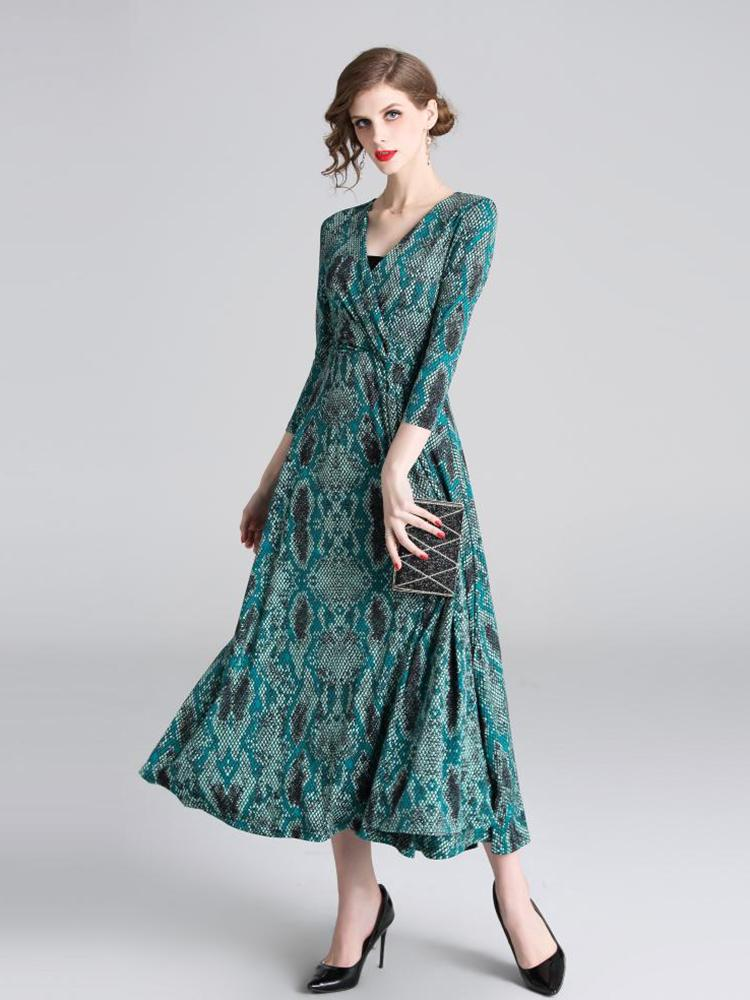 High Quality Vintage Chic Emerald Round neck Long Sleeve Lace Hollow Luxury Slim Evening dress - Arceey