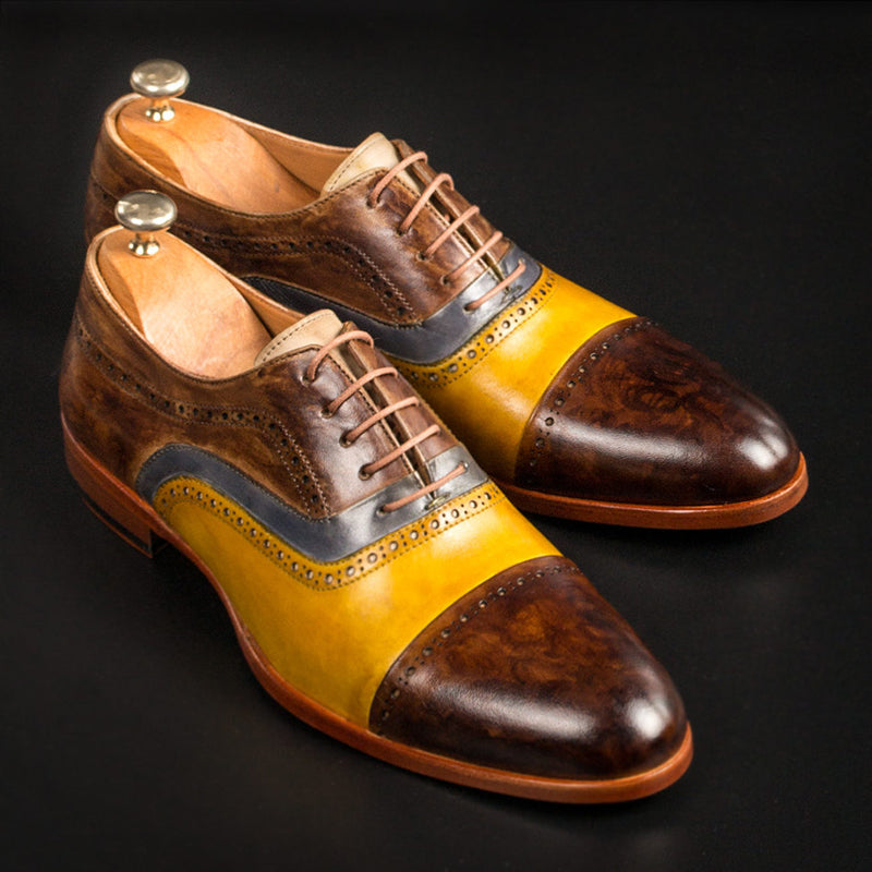 Yellow Brogue Stitching Leather Shoes