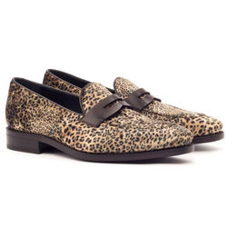 Men Loafer Shoes in Leopard Print