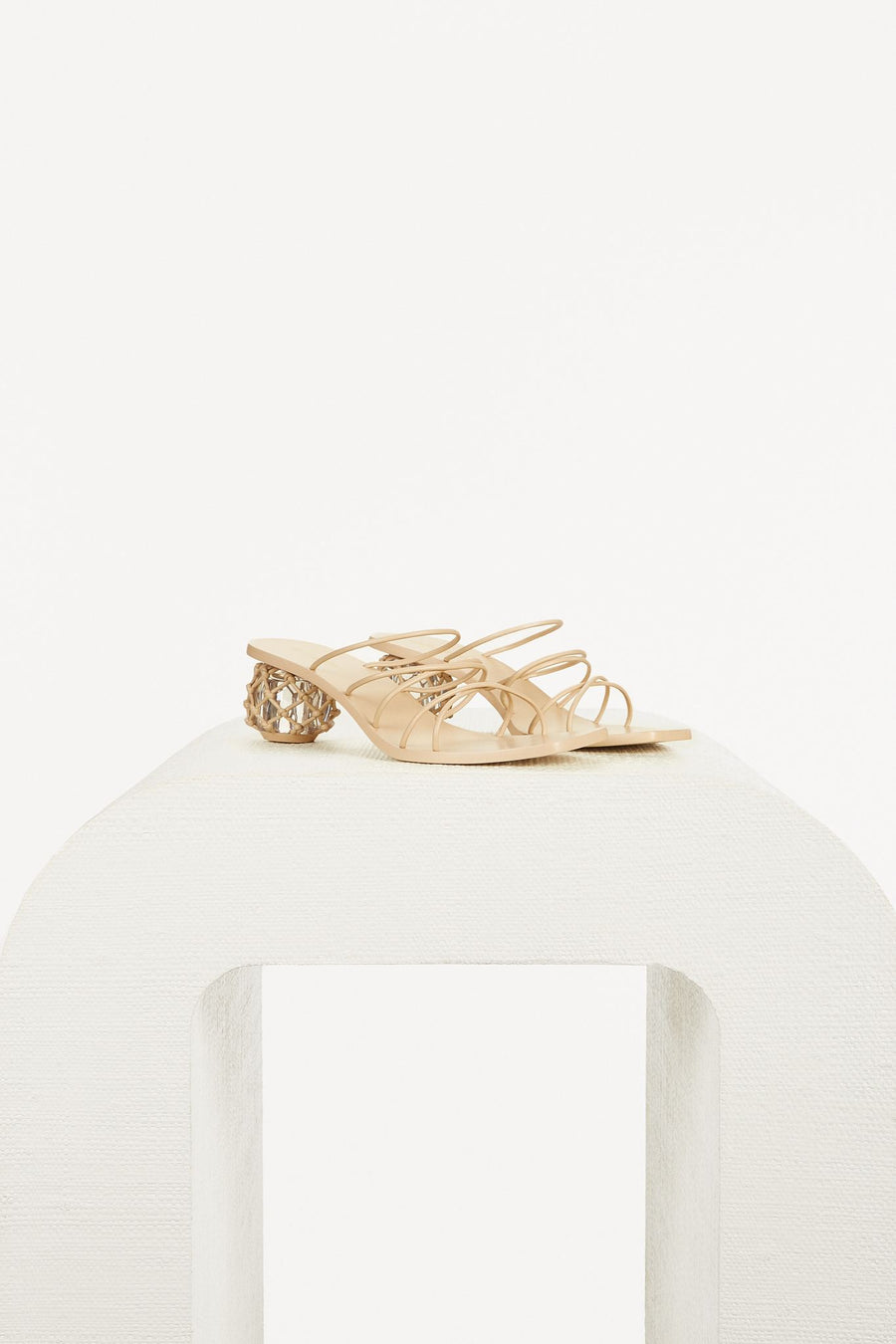 KELLY SANDAL - SAND
