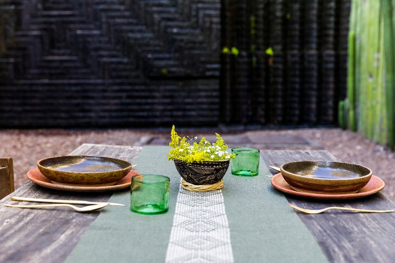 green table runner on table
