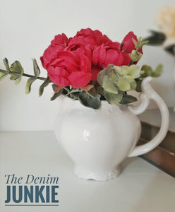 Creamer with flowers