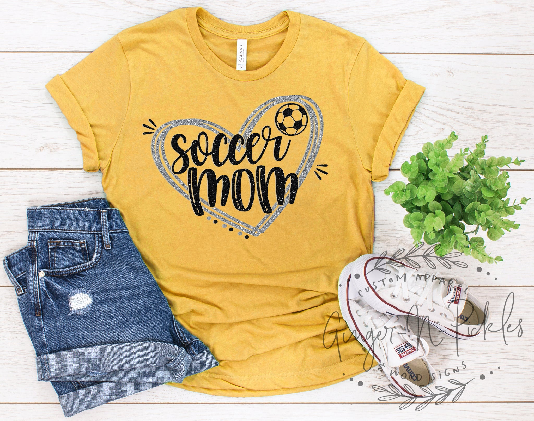 Soccer Mom Shirt, Soccer Mom with Heart T-Shirt, Vintage Style Graphic Tee Shirt