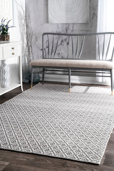 Gray Cotton Hand-Loomed Indoor Office Rug (Multiple Dimensions)