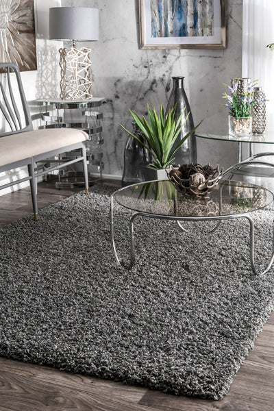 Welcoming Gray Plush Shag Rug (Multiple Sizes Available)