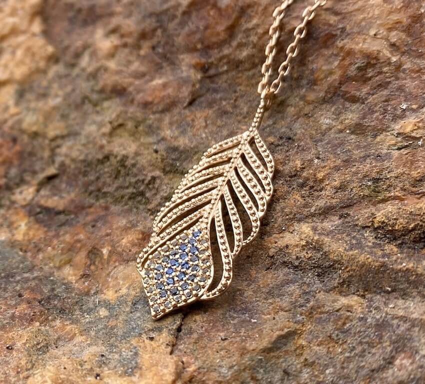 Burren Jewellery 18k gold plate talking italian necklace on rock