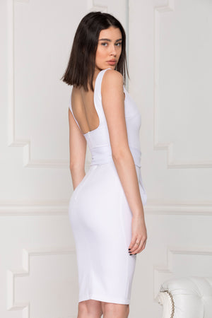 White basic dress back details.
