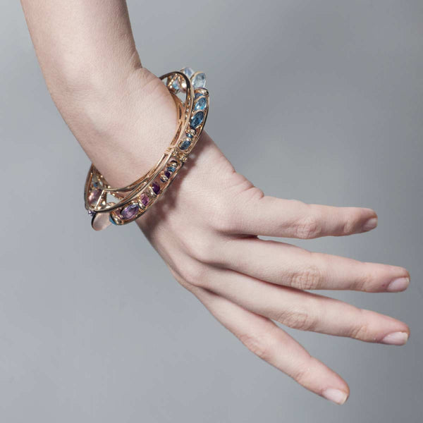 Side Dancing Rigid Bracelet