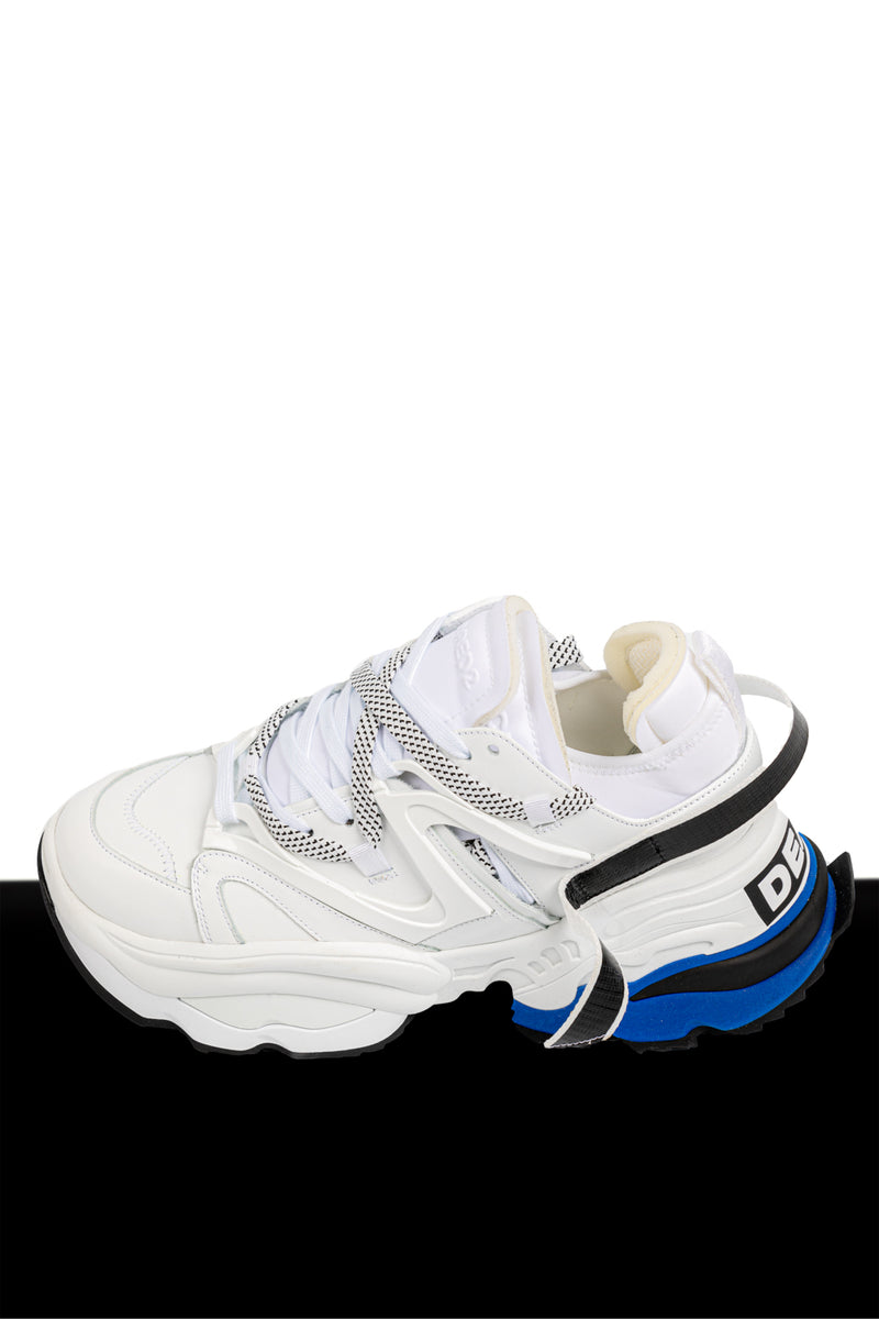 The Giant Sneakers White