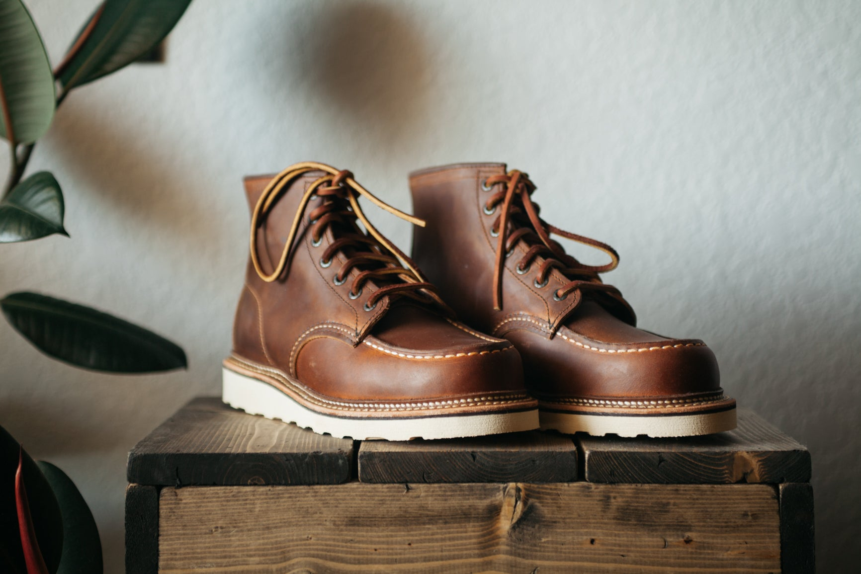 a09dfd7230f Red Wing Classic Moc - Copper Size 9.5 (Open Box)