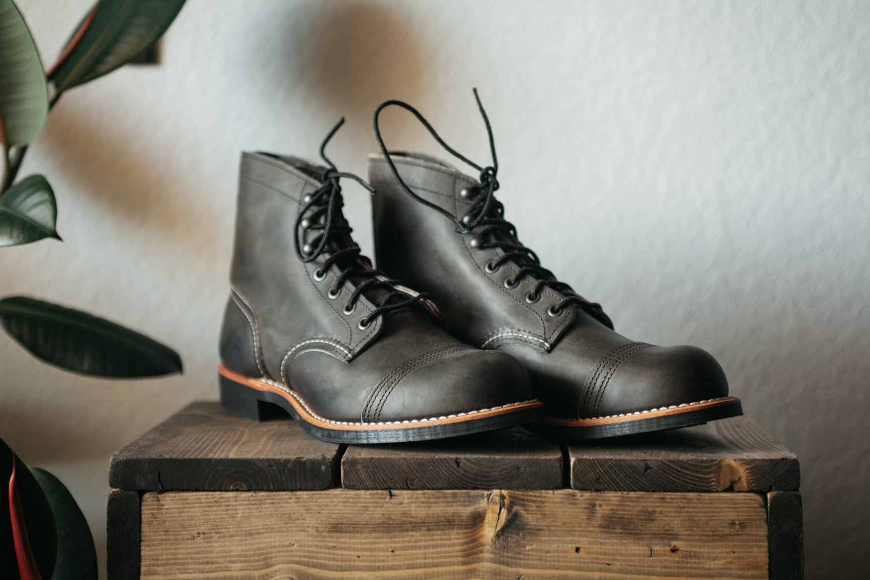 964bab88cdc Red Wing Iron Rangers - Charcoal