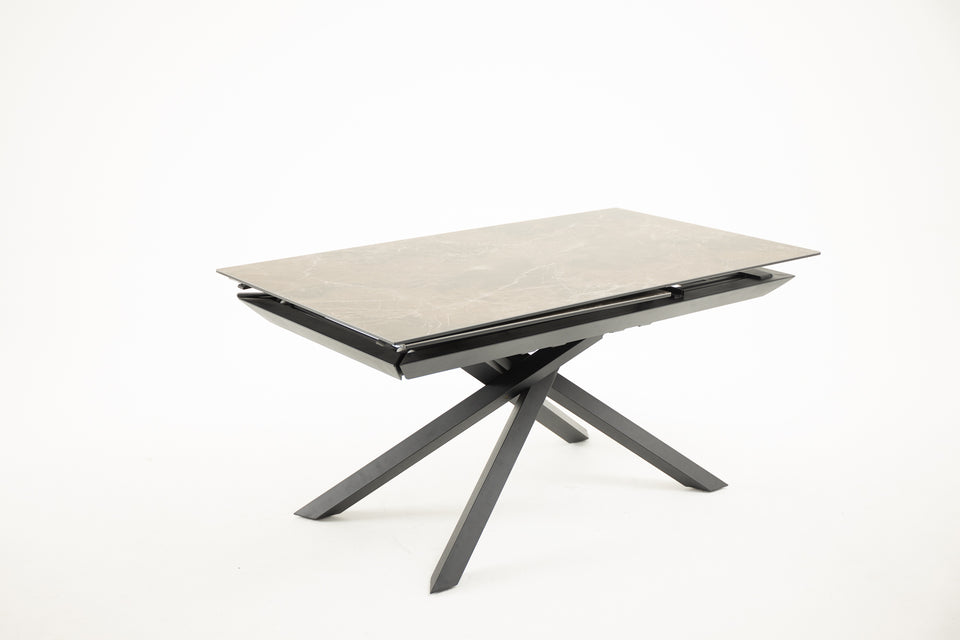 FERRINGHI Extendable Dining Table