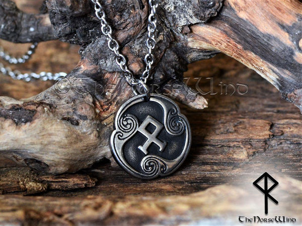 Viking Rune Necklace - TheNorseWind