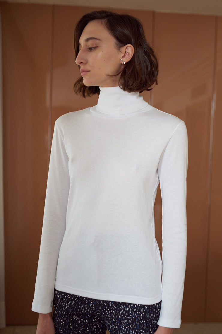 THERESA COTTON TURTLENECK TOP