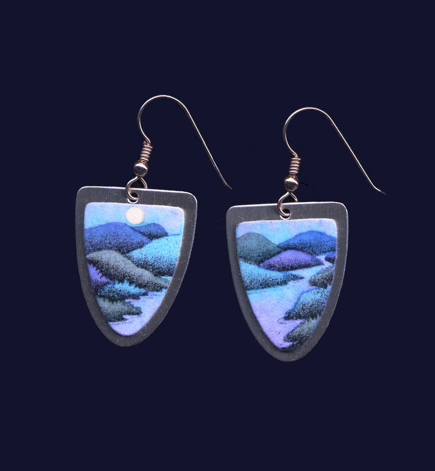 Receding Mountains and Water by VT jeweler, Daryl Storrs