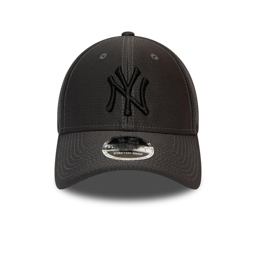 New York Yankees 9Forty Tonal Snapback Grey Cap