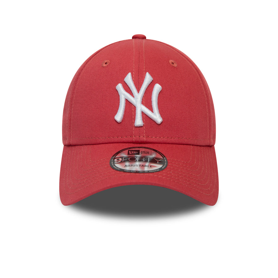 New York Yankees 9Forty League Essential Coral/White Cap