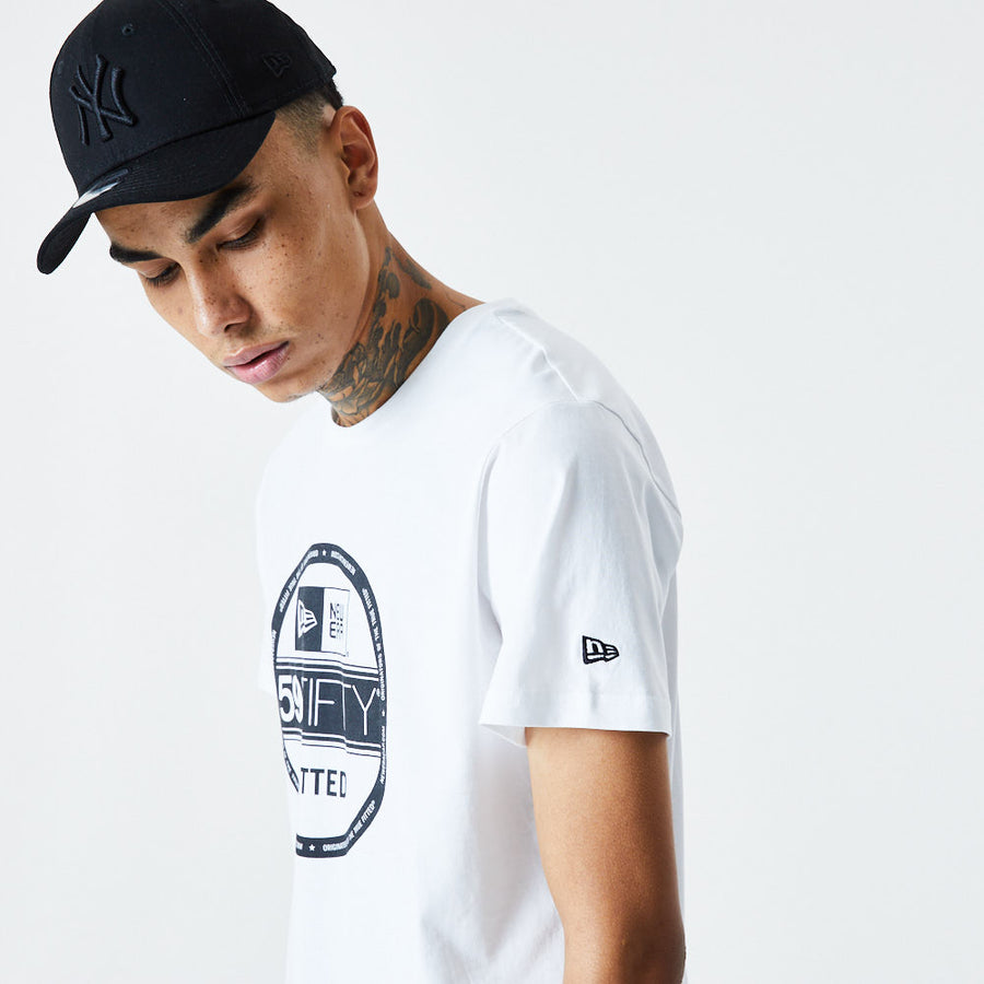 New Era Essential Visor Sticker White Tee