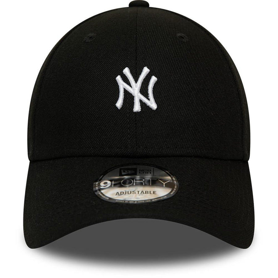 New York Yankees 9Forty MLB Tour Black/White Cap