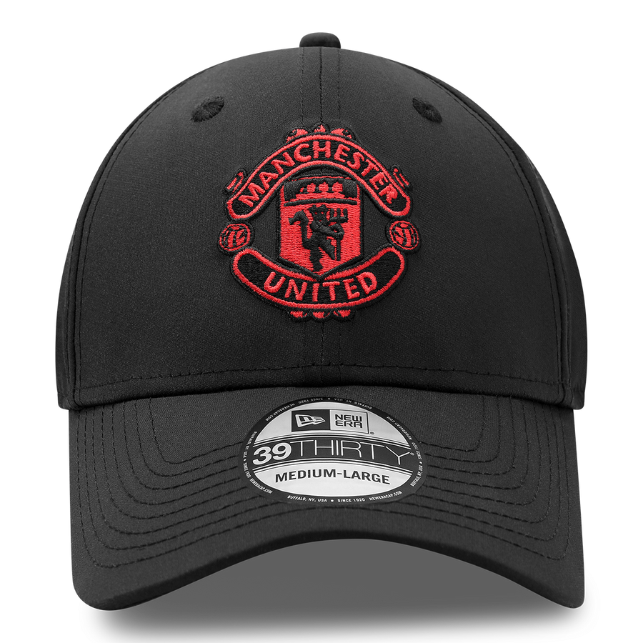Manchester United 9Forty Essential Black Cap