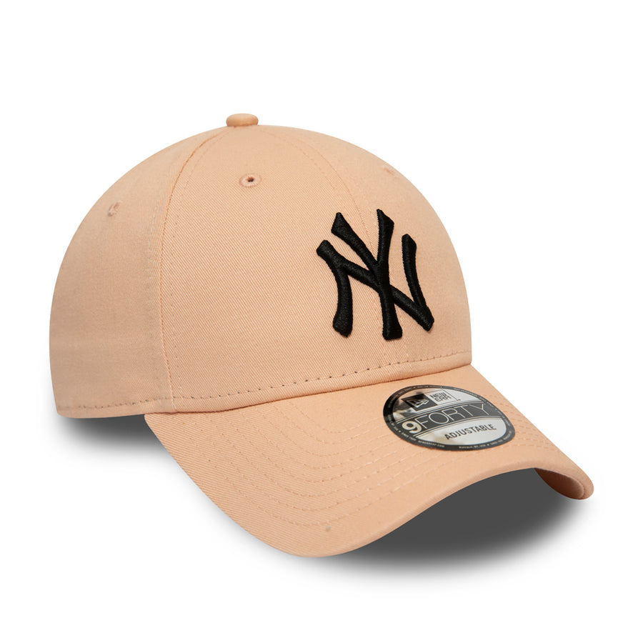 New York Yankees 9Forty League Essential Pink/White Cap