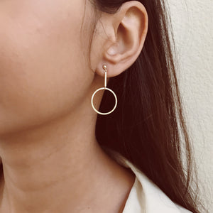 CLARA DANGLE HOOP EARRINGS 10KT