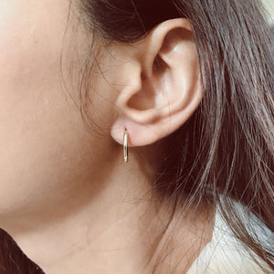 DESIREE CLICKER HOOP EARRINGS - 10KT
