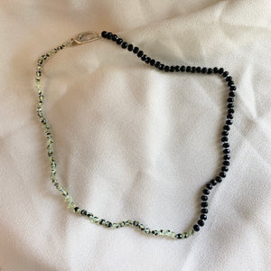 SO KNOTTY BEADED NECKLACE - GREEN MACHINE