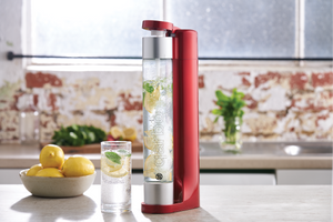 qarbo Sparkling Water Maker and Fruit Infuser (AU/NZ) - Metallic Red - with Two x 1L BPA-Free Bottles