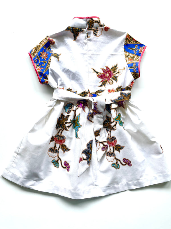 Girl White & Blue Batik Qipao (3-4 yo)
