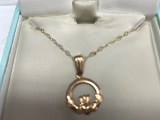 Fado 10ct Gold Claddagh Pendant