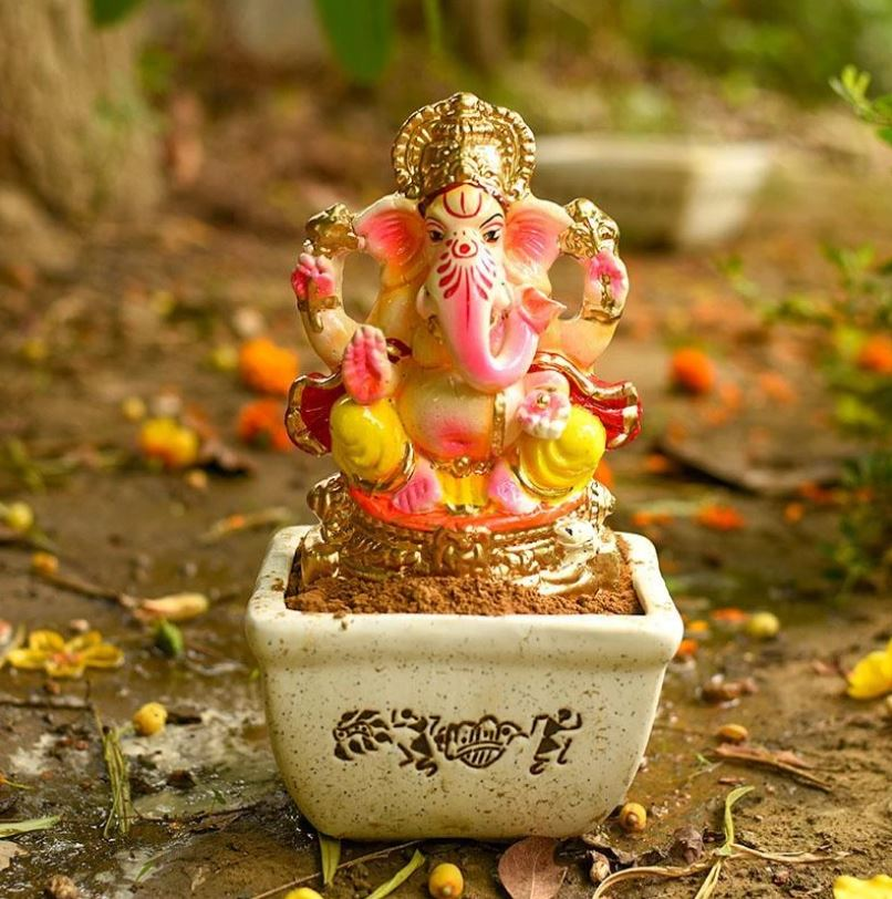Bring home 100% Eco- Friendly Ganesha Idols Online