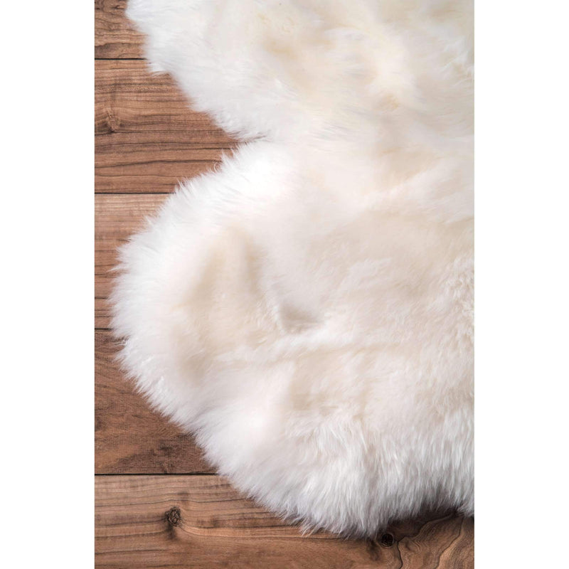 Hand Made Quarto Luxe sheepskin Rug