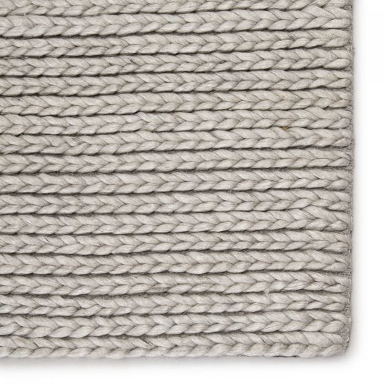 Braiden Handmade Solid Light Gray Area Rug
