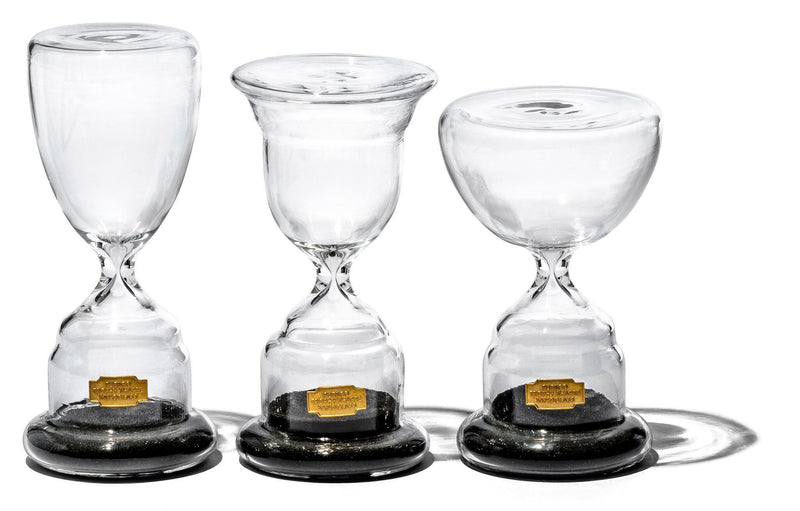 Trophy Shaped Sandglass Black No 1