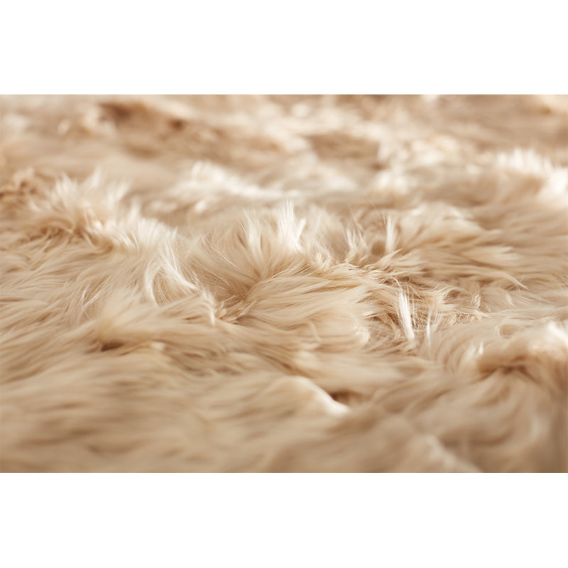 detail alpaca bed cover