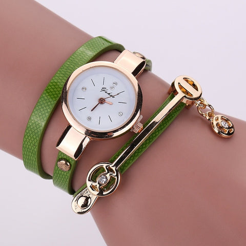 Women Golden Strap Quartz  Wristwatch Bracelet