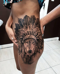 tatouage loup coiffe indienne