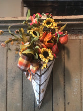 Load image into Gallery viewer, Fall Florals In Cream Tin