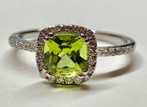 14K White Gold Peridot & Diamond Ring