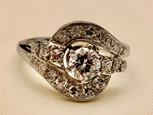 14K WHITE GOLD DIAMOND ESTATE RING