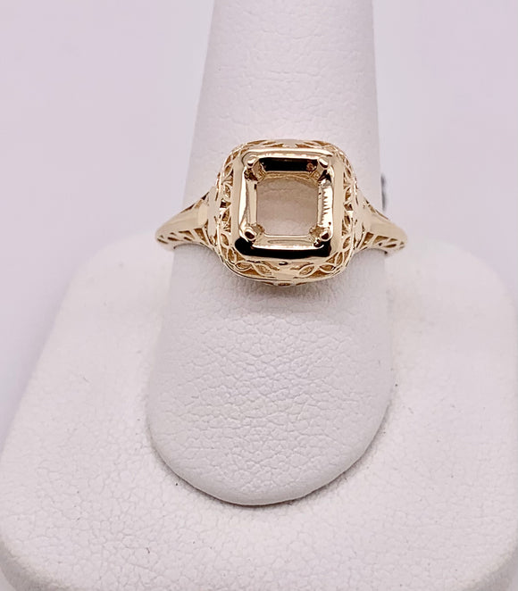 14K Yellow Gold Solitaire Mounting