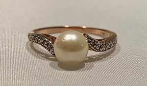 10K Rose Gold Pearl and Diamond Ring