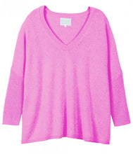 Load the image into the gallery viewer,Les tricots de Léa cashmere sweater V-neck