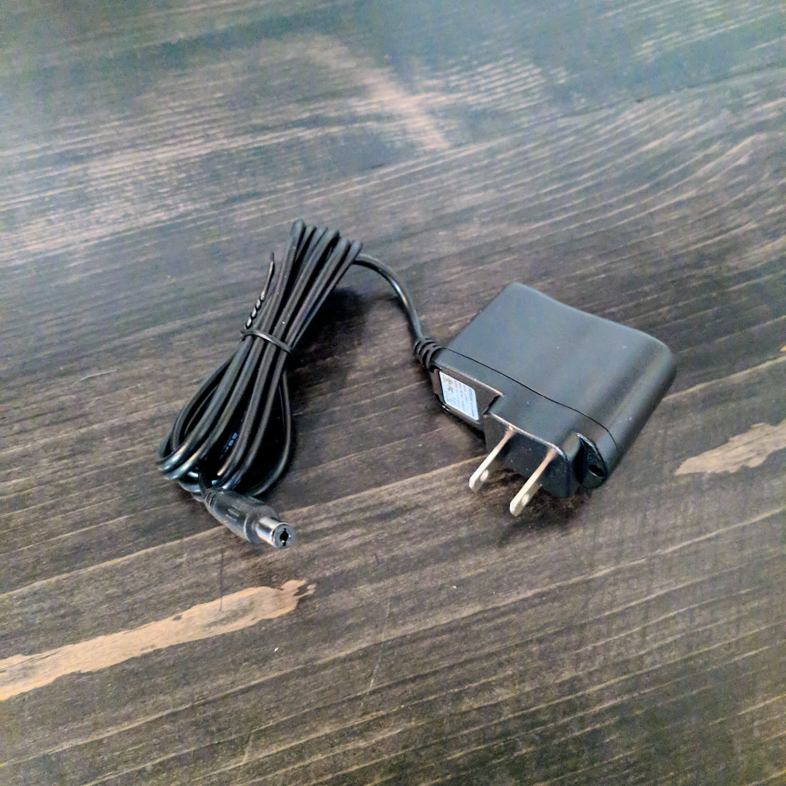Outlaw Effects 9V Power Supply Unit - NathansGear.Co